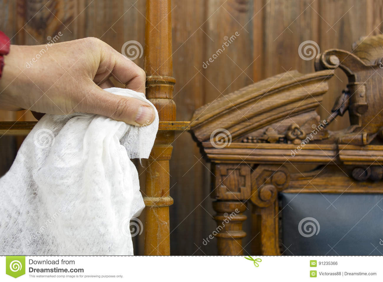 Cleaning Antique Furniture - Cleaning Antique Furniture Stock Photo. Image Of Tidiness - 91235366