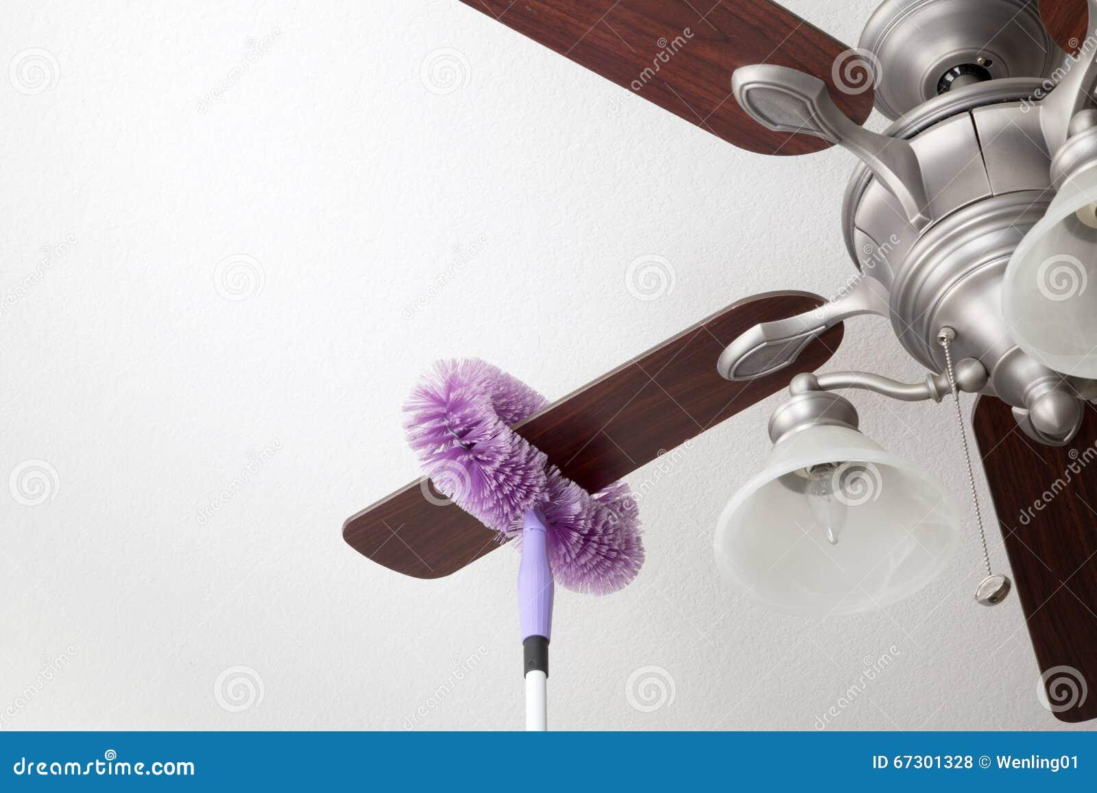 Cleaning ceiling fan