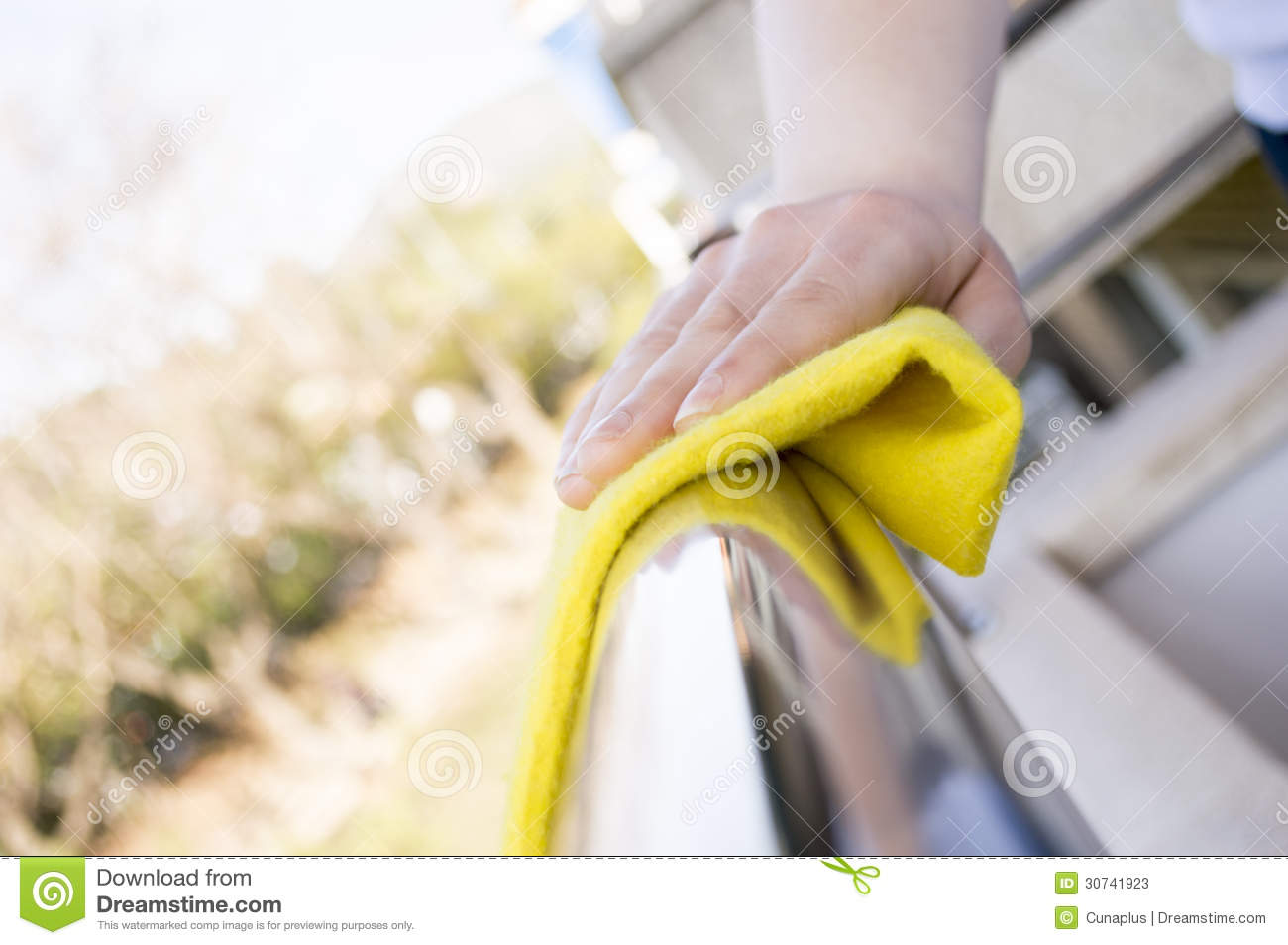 how to clean plastic railing