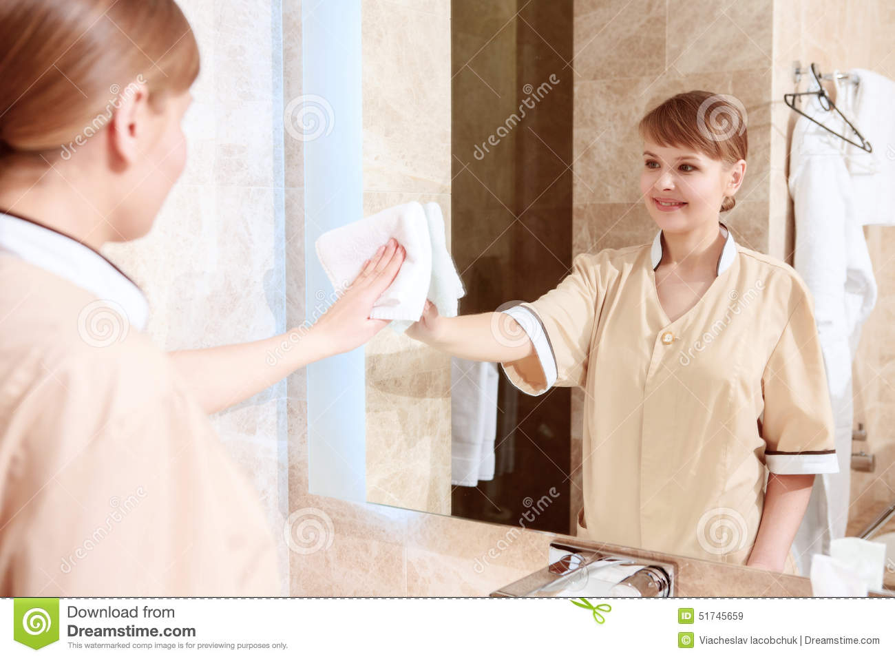 How to clean bathroom mirror - Cleaning Up The Mirror In Room Royalty Free Stock Images