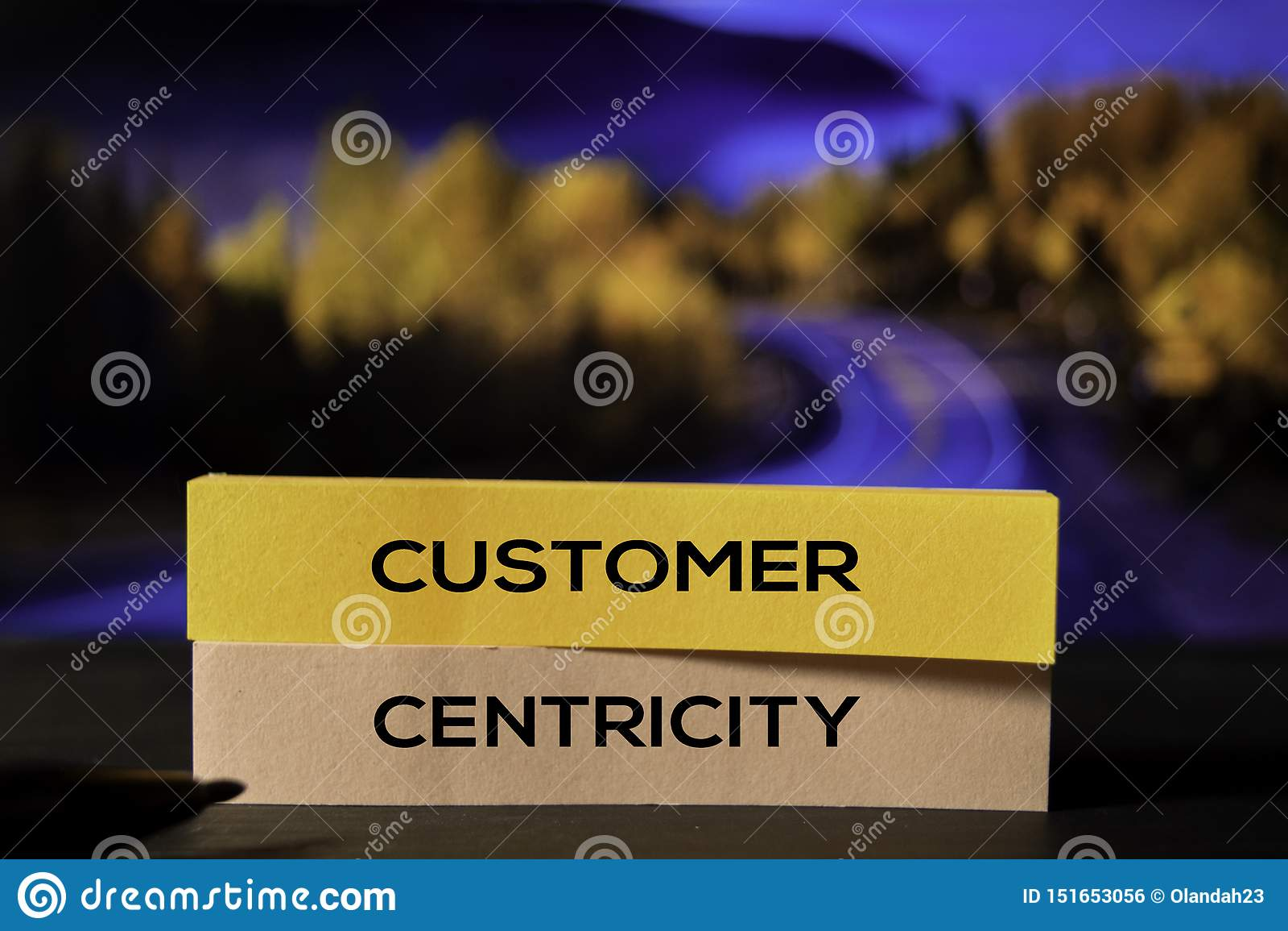 Cliente Centricity sulle note appiccicose con il fondo del bokeh
