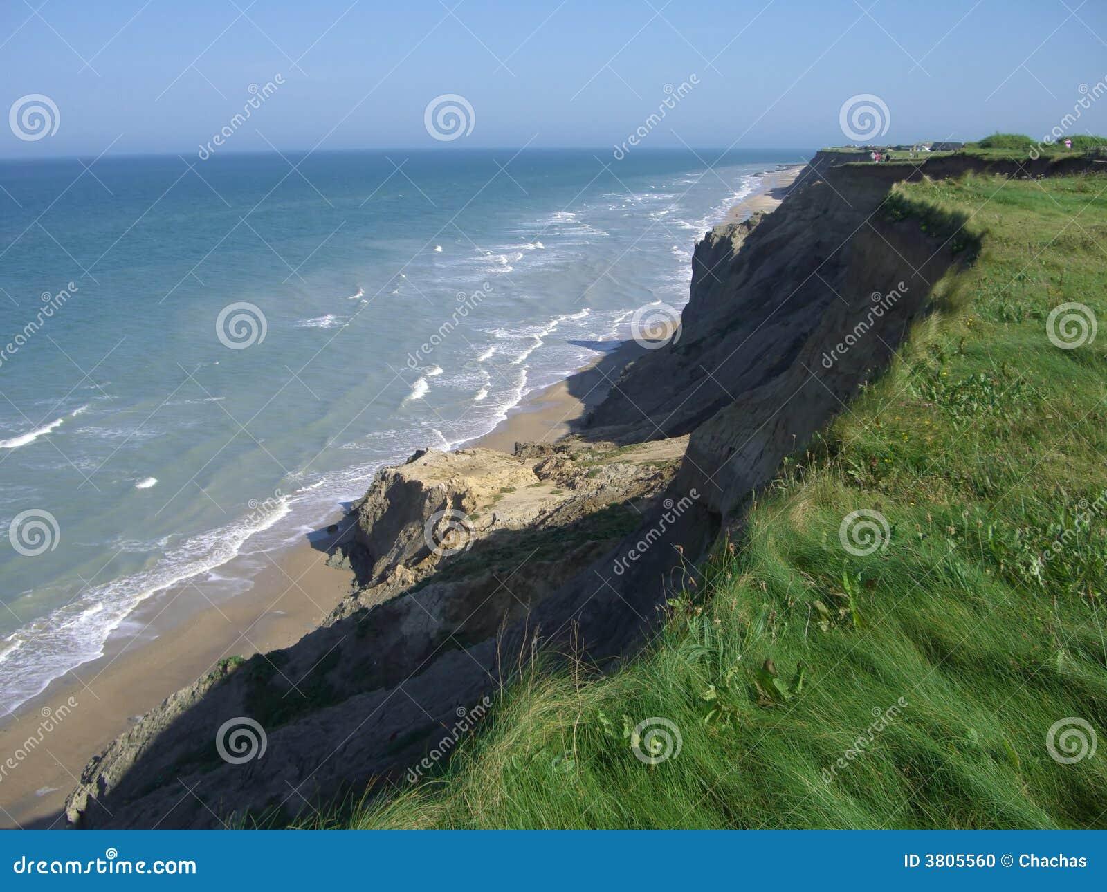 Download Cliff overlooking ocean stock photo. Image of coast, shoreline - 3805560