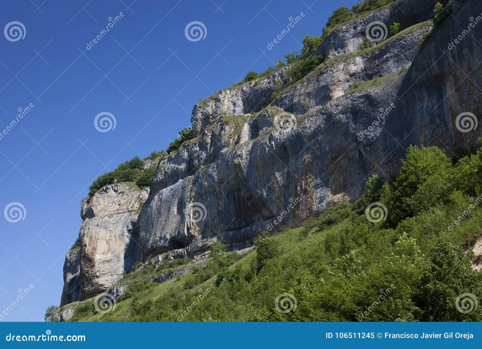 Cliffs of Baume-les-messieurs, Jura