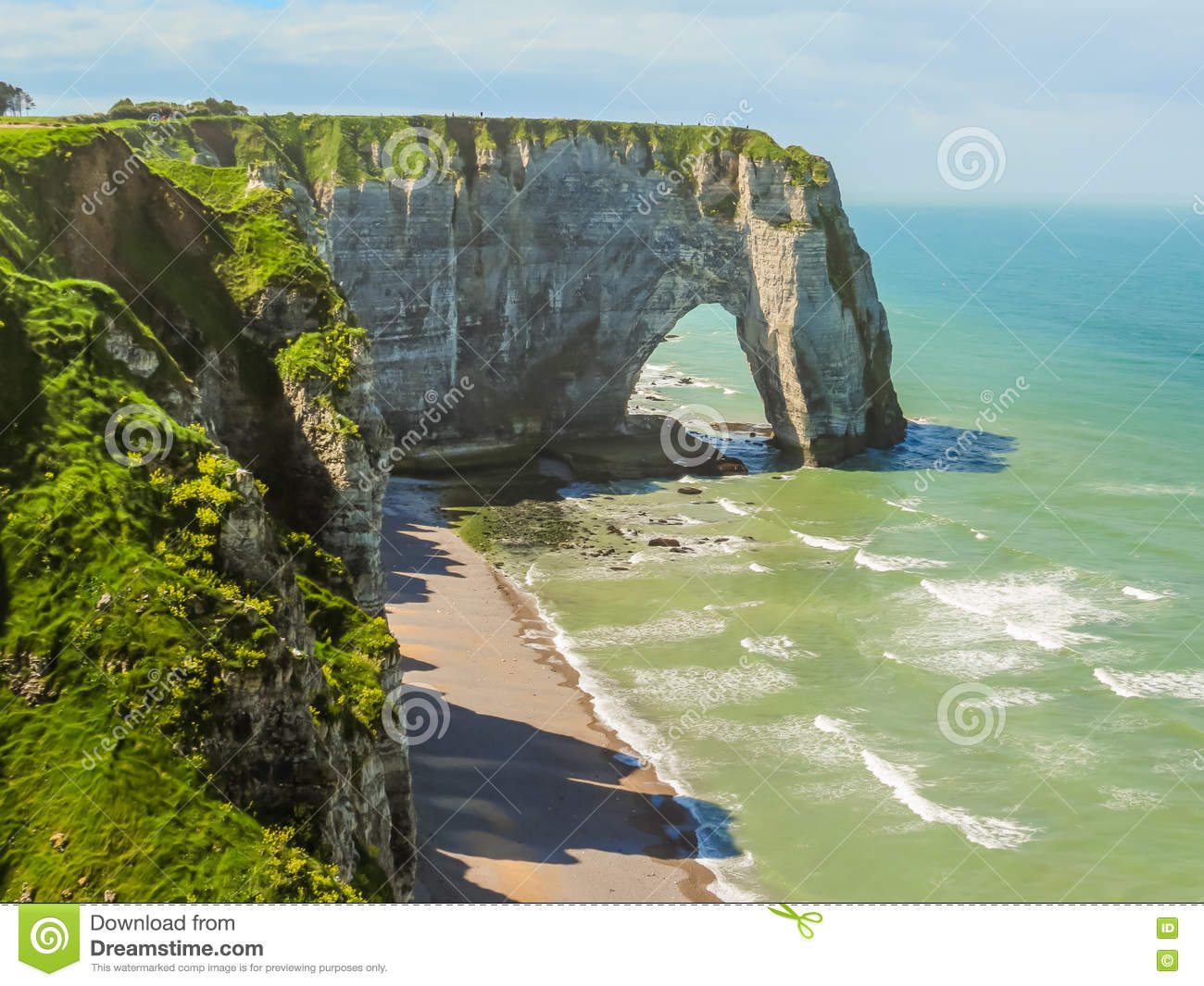 Cliffs porte d 39 aval in etretat france stock image image for Porte french to english