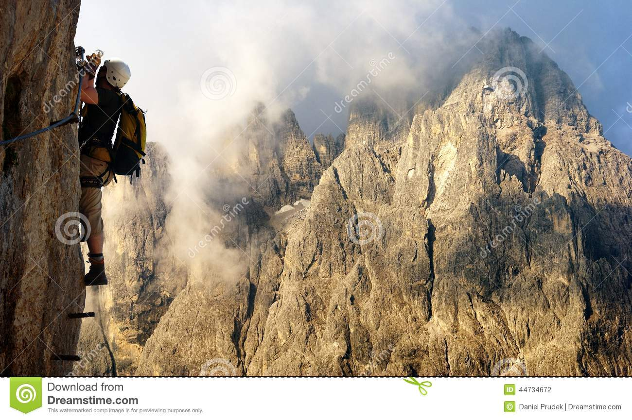 Klettersteig Clipart : Climber on via ferrata or klettersteig in italy editorial