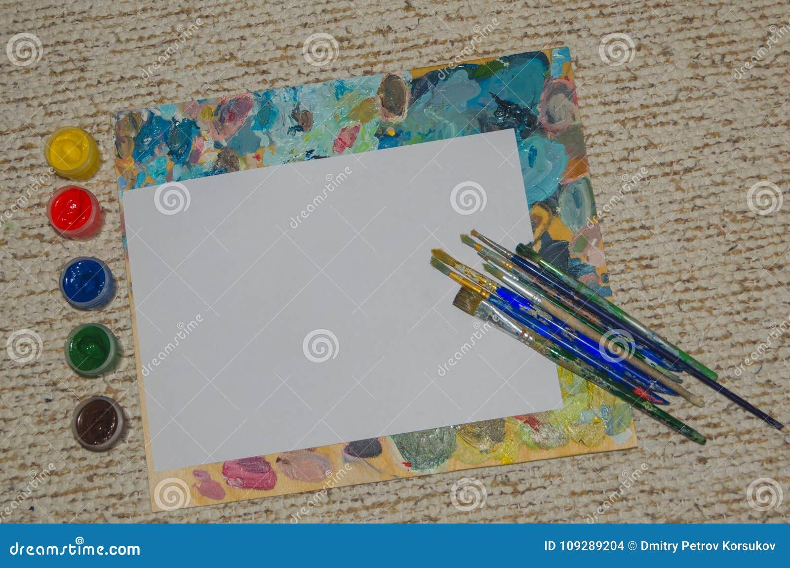 Clipart, Weißes Blatt Papier Mit Bürstenhintergrund Stockfoto - Bild ...