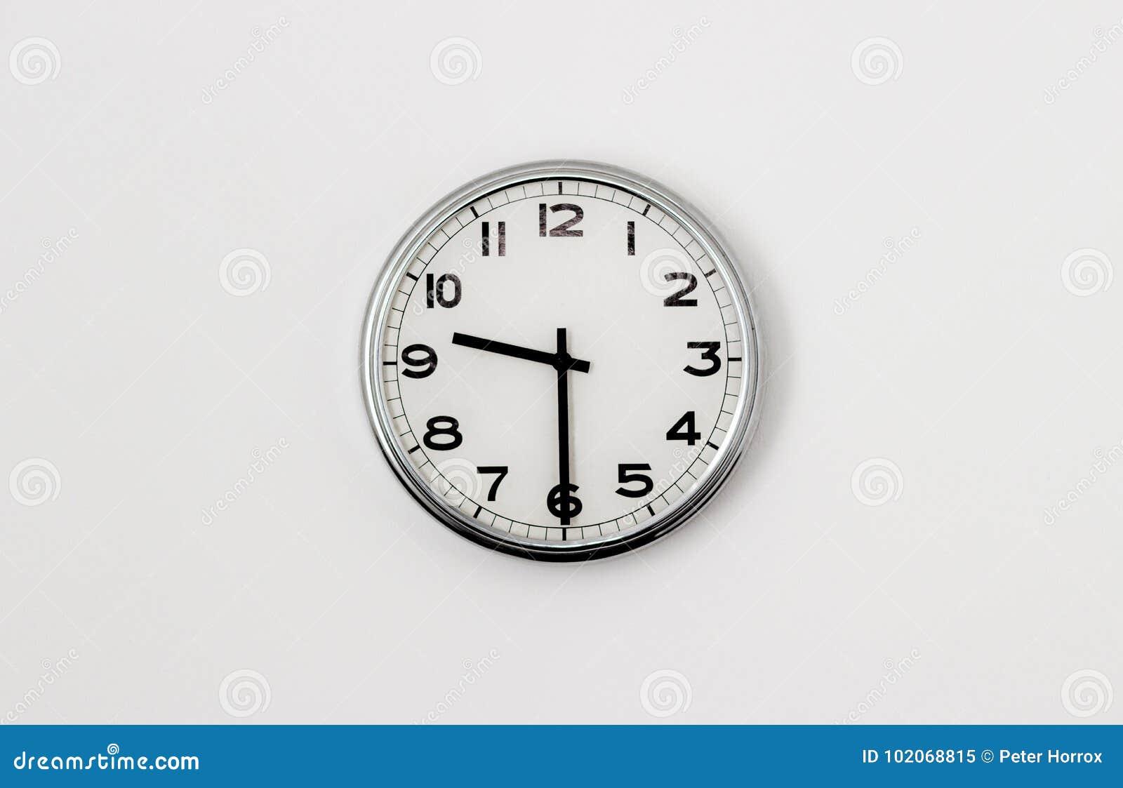 Clock 9:30