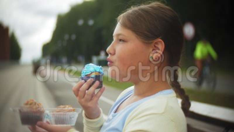 Fat girl cake sitting picture 988