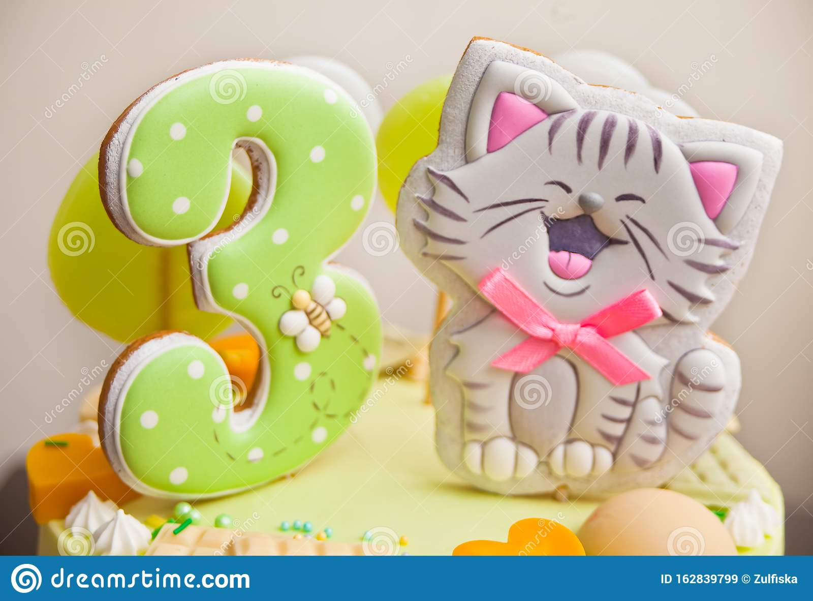 Fabulous Close Up Birthday Cake For Little Girl Decorated Funny Cookies Personalised Birthday Cards Bromeletsinfo