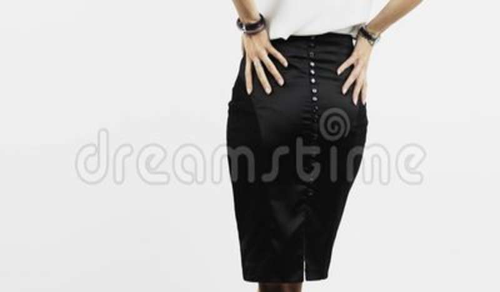 pulling up her skirt ass