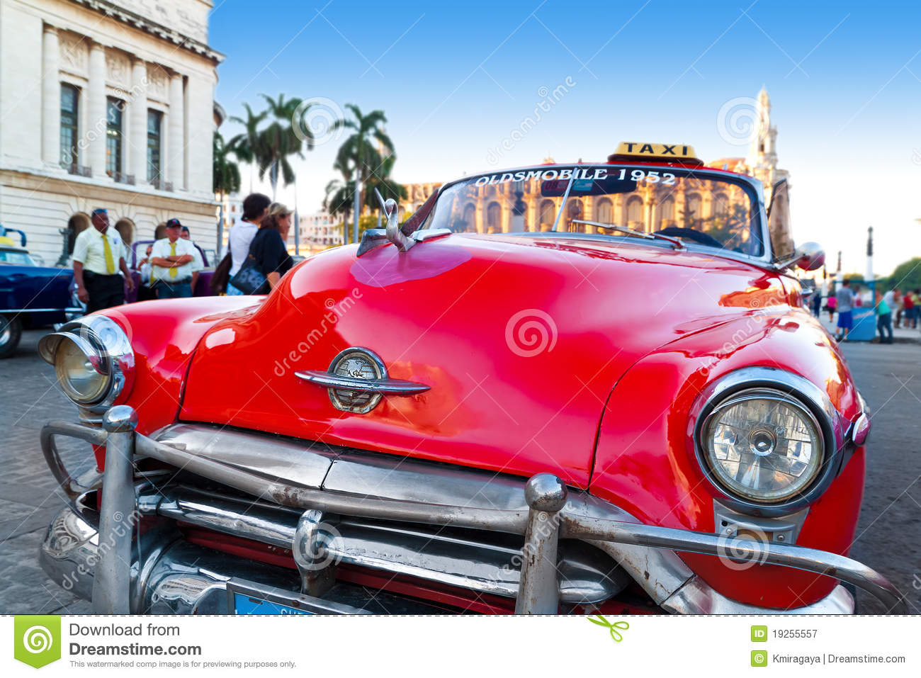 close up of a classic vintage car in havana editorial photo 19255557. Black Bedroom Furniture Sets. Home Design Ideas
