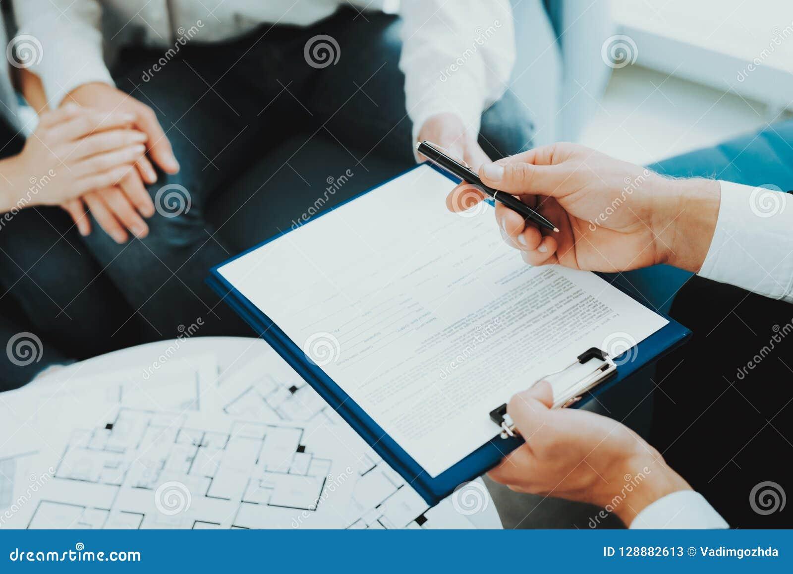 Close-up Conceito de assinatura do contrato Compra da propriedade