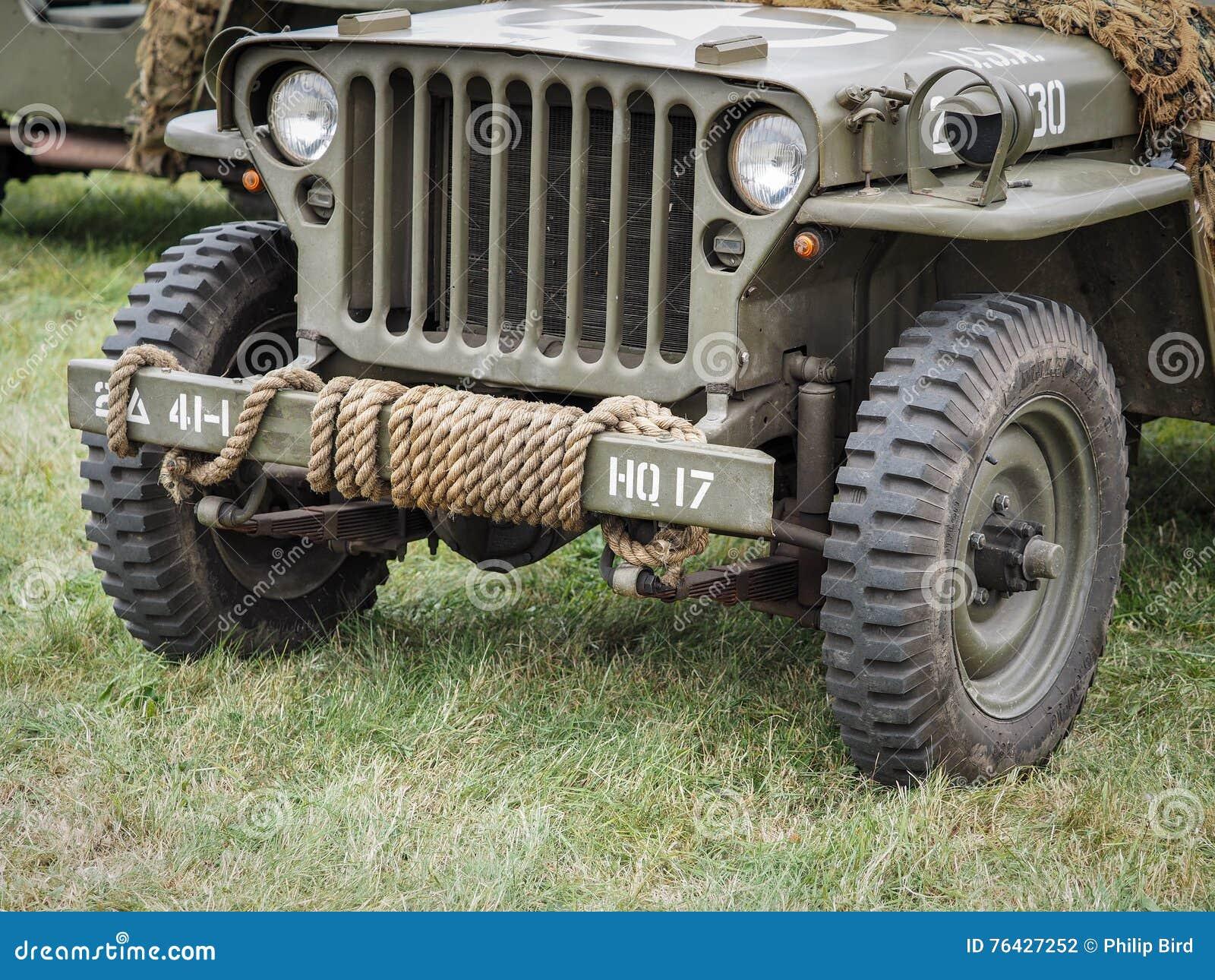 Close-up de um jipe militar Dunsfold ay