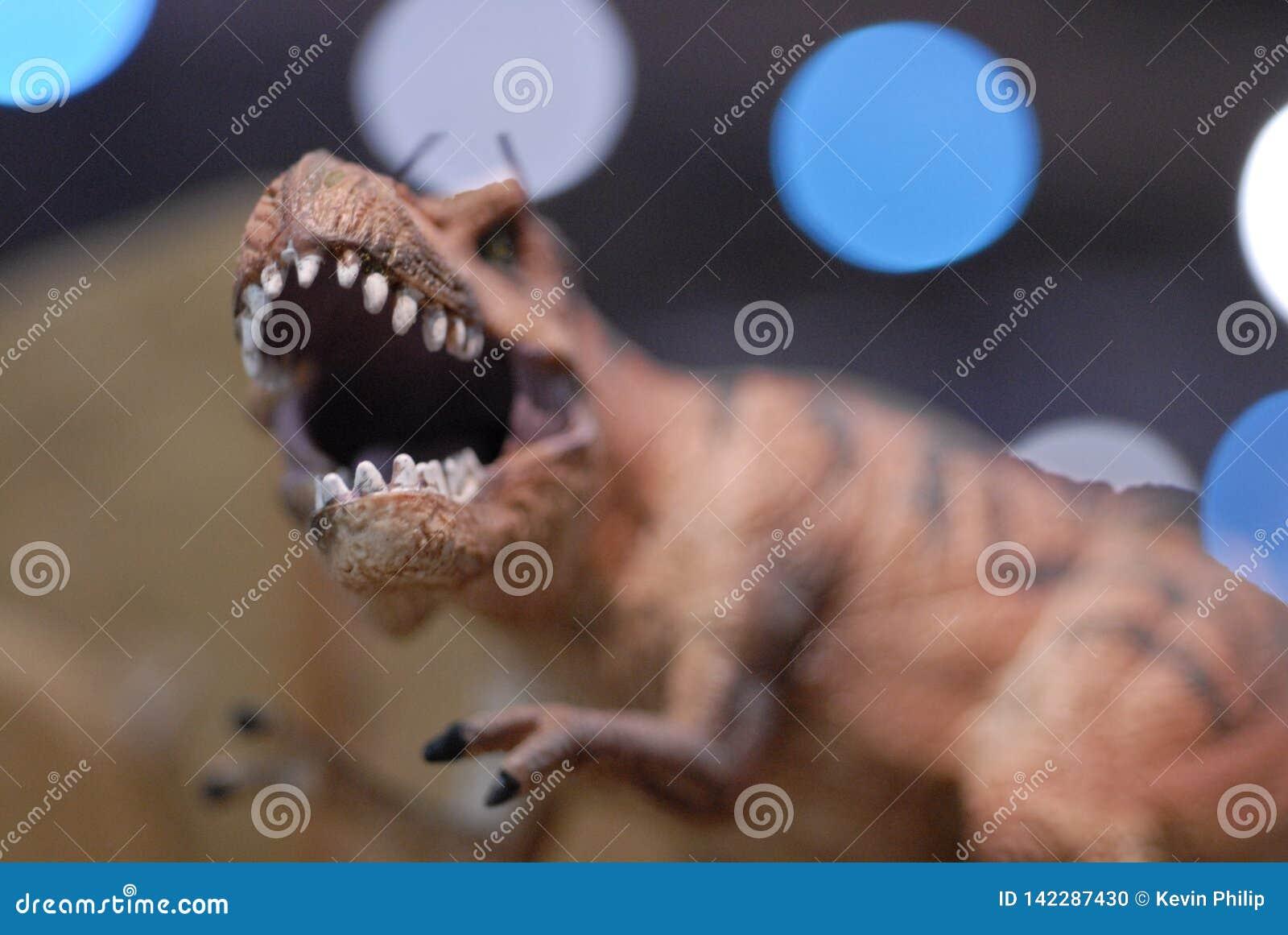 Close Up Dinosaur Sculpture Stock Photo - Image of teeth