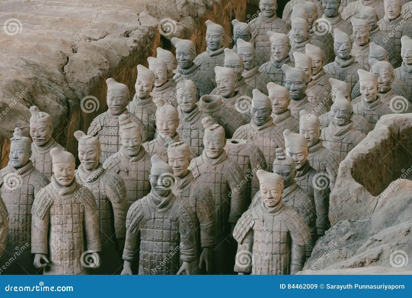 Close-up do exército famoso da terracota dos guerreiros em Xian, China