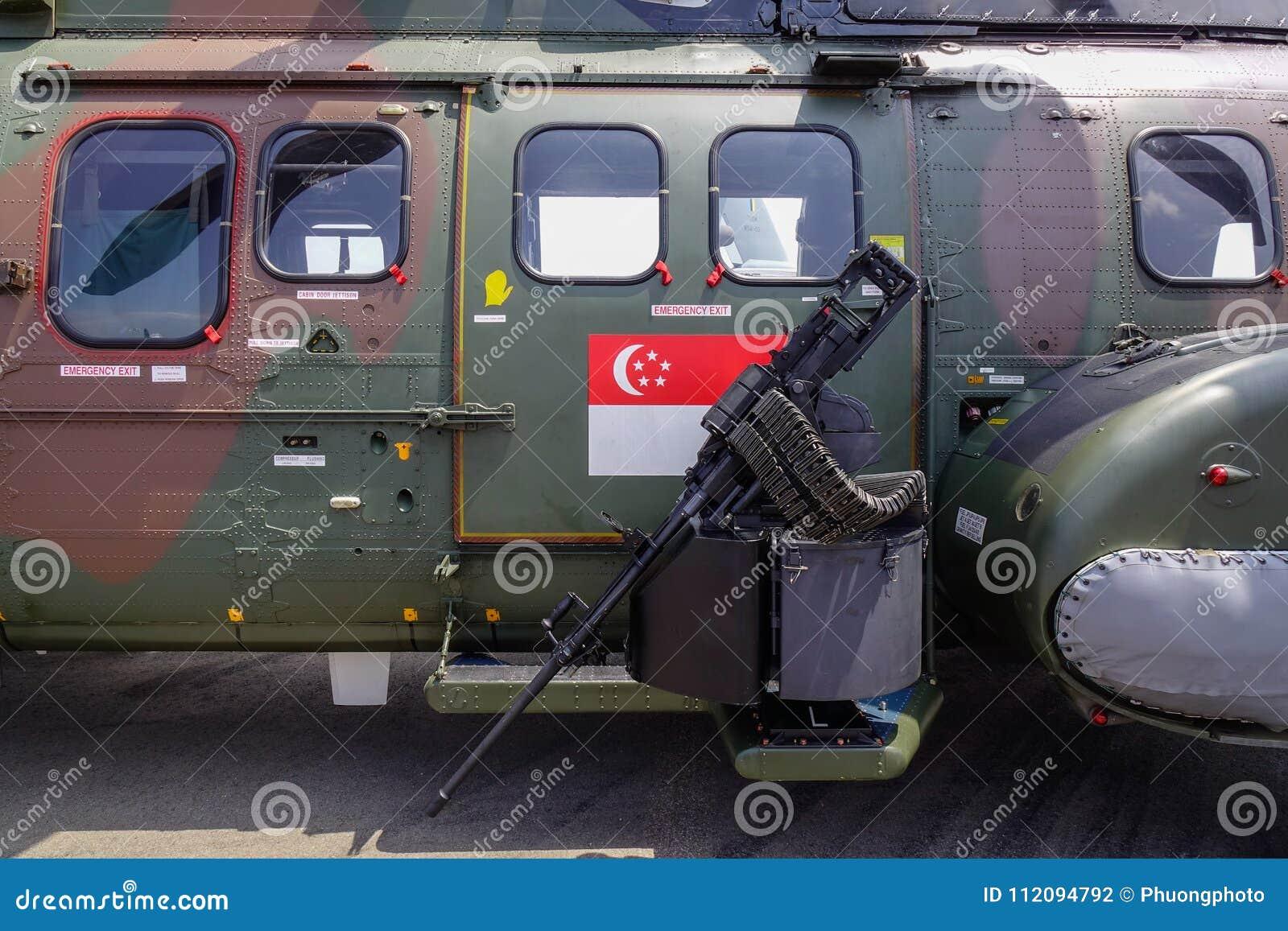 Close-up do helicóptero de ataque