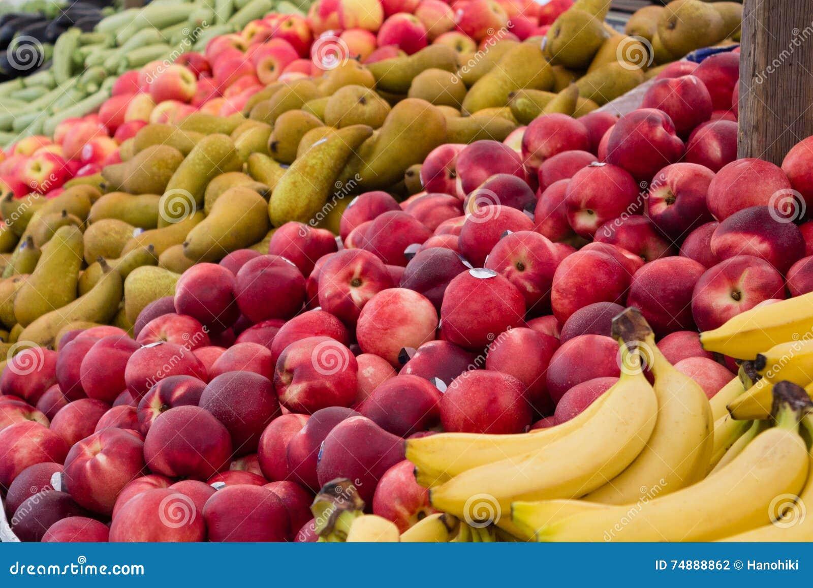 Close up do mercado de fruto - close up de muitos frutos