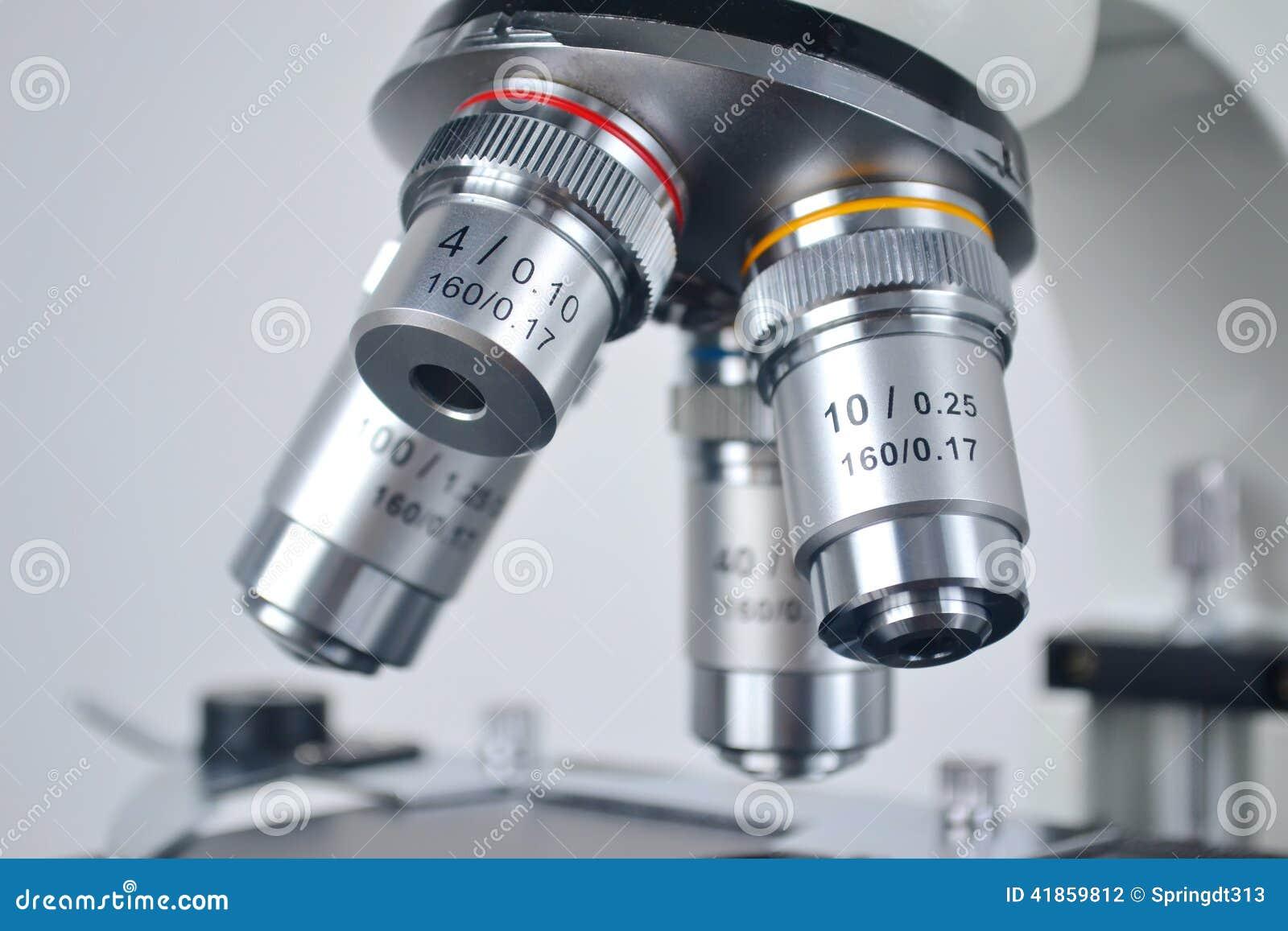 Close up do microscópio