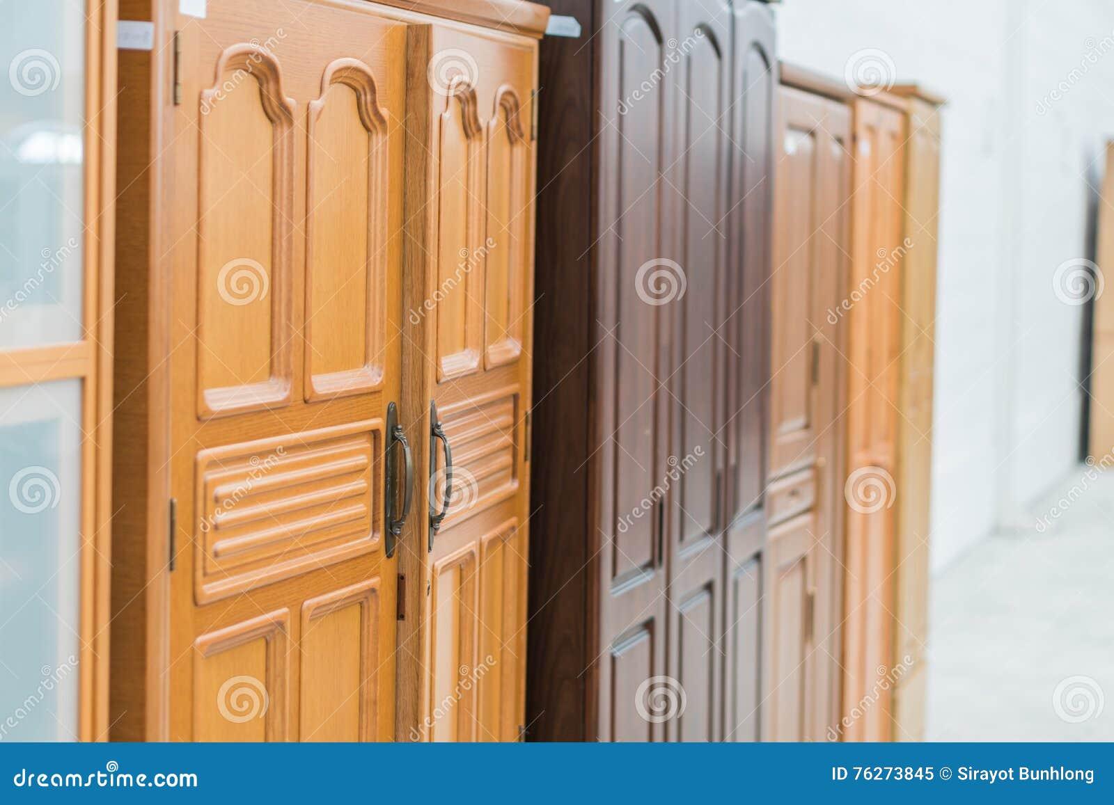 Close up dos armários de cozinha em casa
