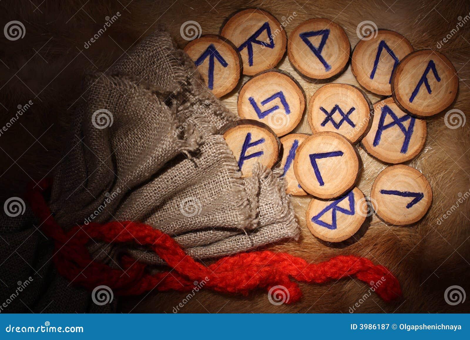Close-up dos Runes