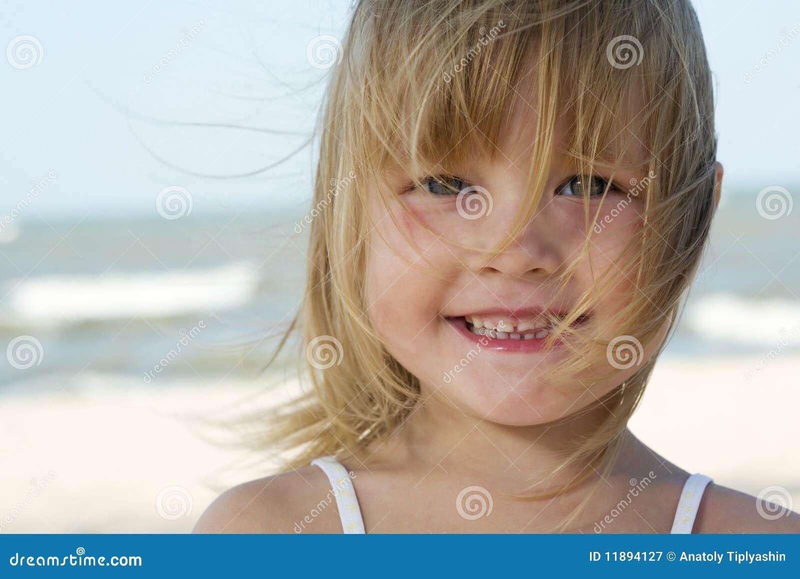 Фото маленька девочка и ее пися, Девочка созрела? Самые скандальные фотосессии юных 28 фотография