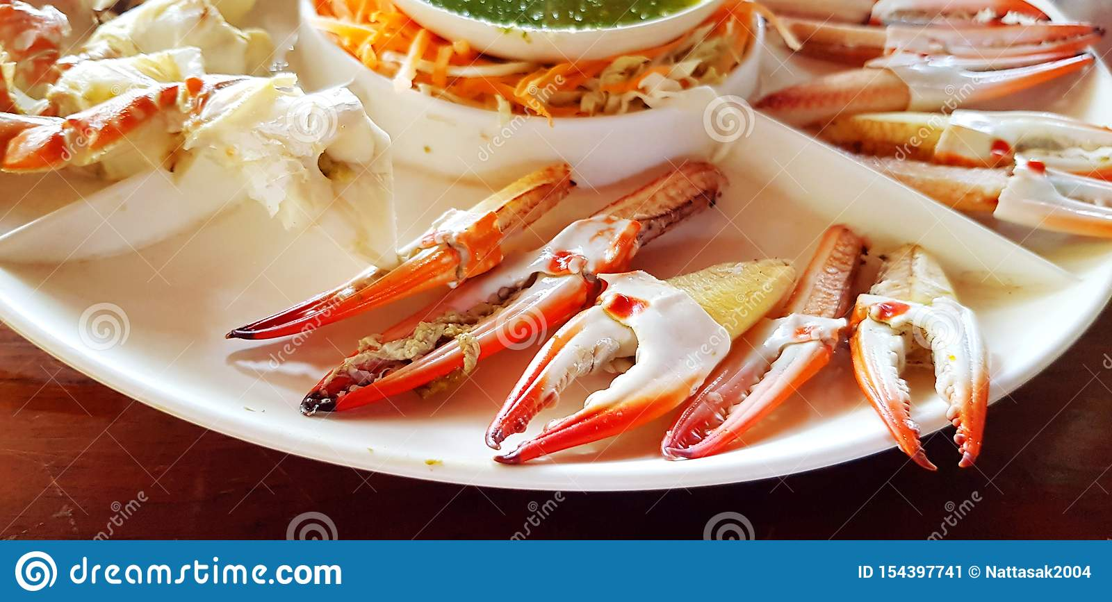 Close Up Fresh Crab Hand Or Leg In White Plate At Seafood Restaurant Stock Image Image Of Dish Part 154397741