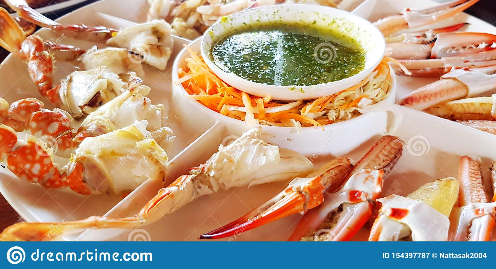 Close Up Fresh Crab Hand Or Leg In White Plate At Seafood Restaurant Stock Image Image Of Fresh Grocery 154397787