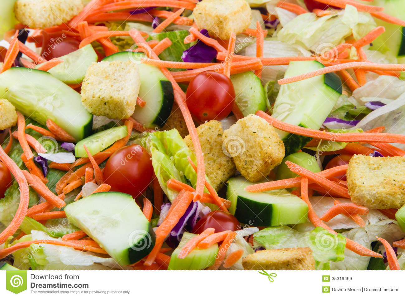 Close Up Of A Fresh Garden Salad Stock Image Image Of