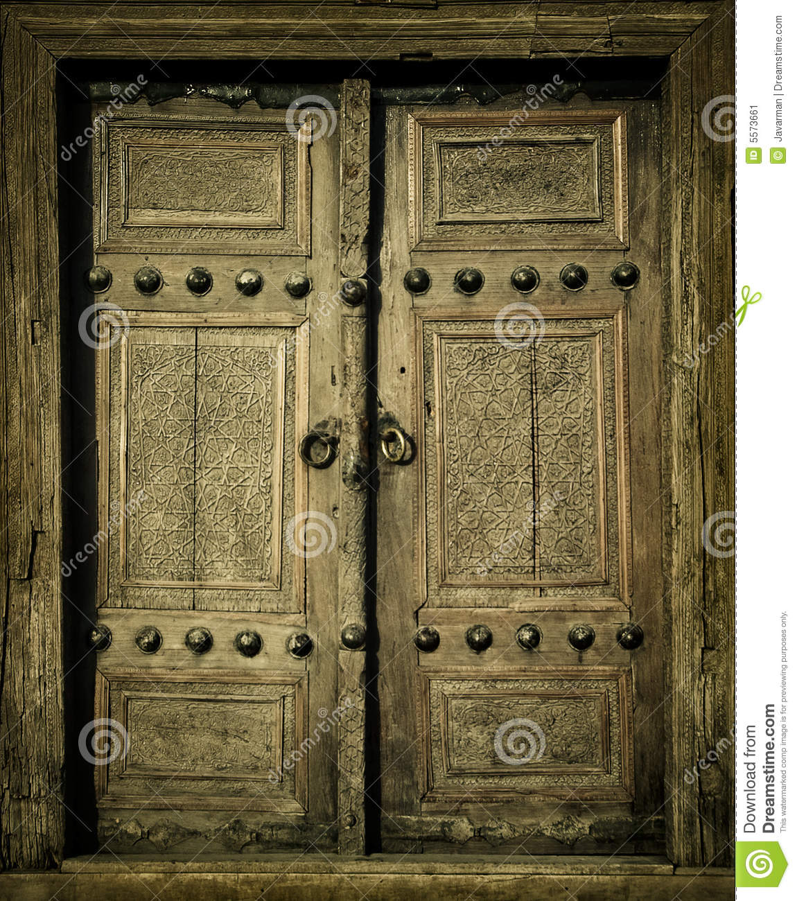 Close up image of ancient doors stock image image 5573661 for Puertas viejas