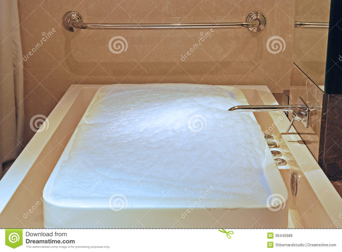 Close Up Of JACUZZI INFINTY FLOW BATH TUB Stock Photo - Image of ...