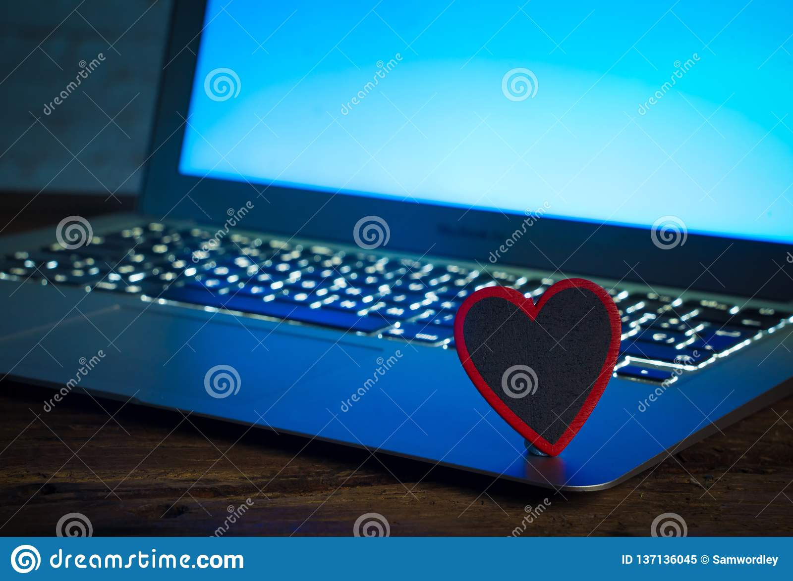 Love connection dating online