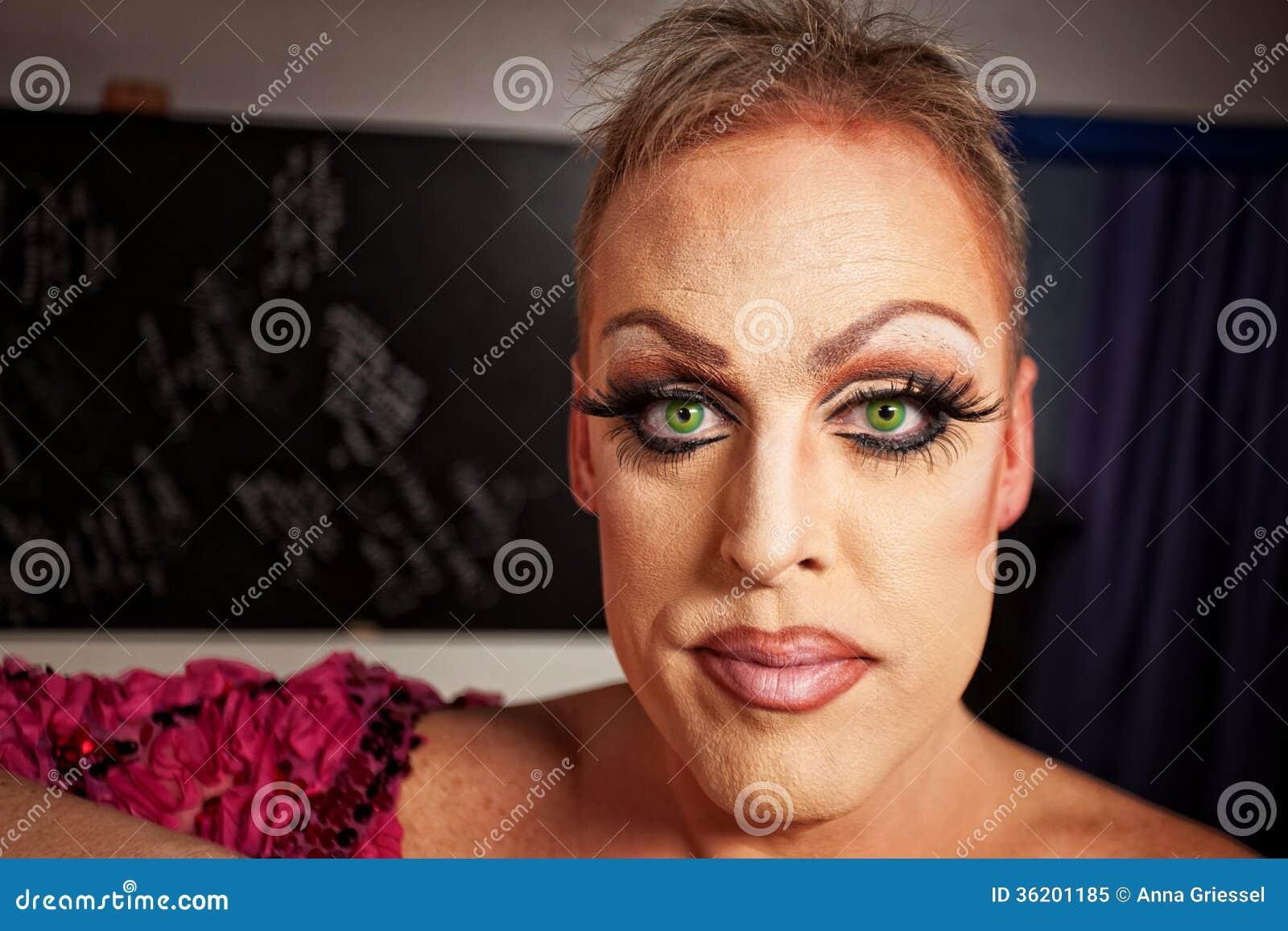 close-up-man-makeup-serious-backstage-room-36201185.jpg