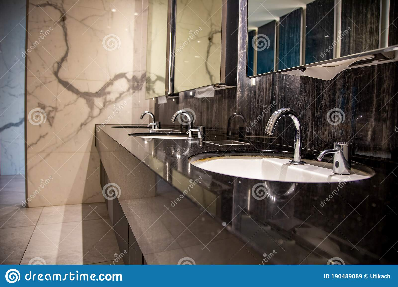 1 533 Luxury Hotel Public Toilet Photos Free Royalty Free Stock Photos From Dreamstime