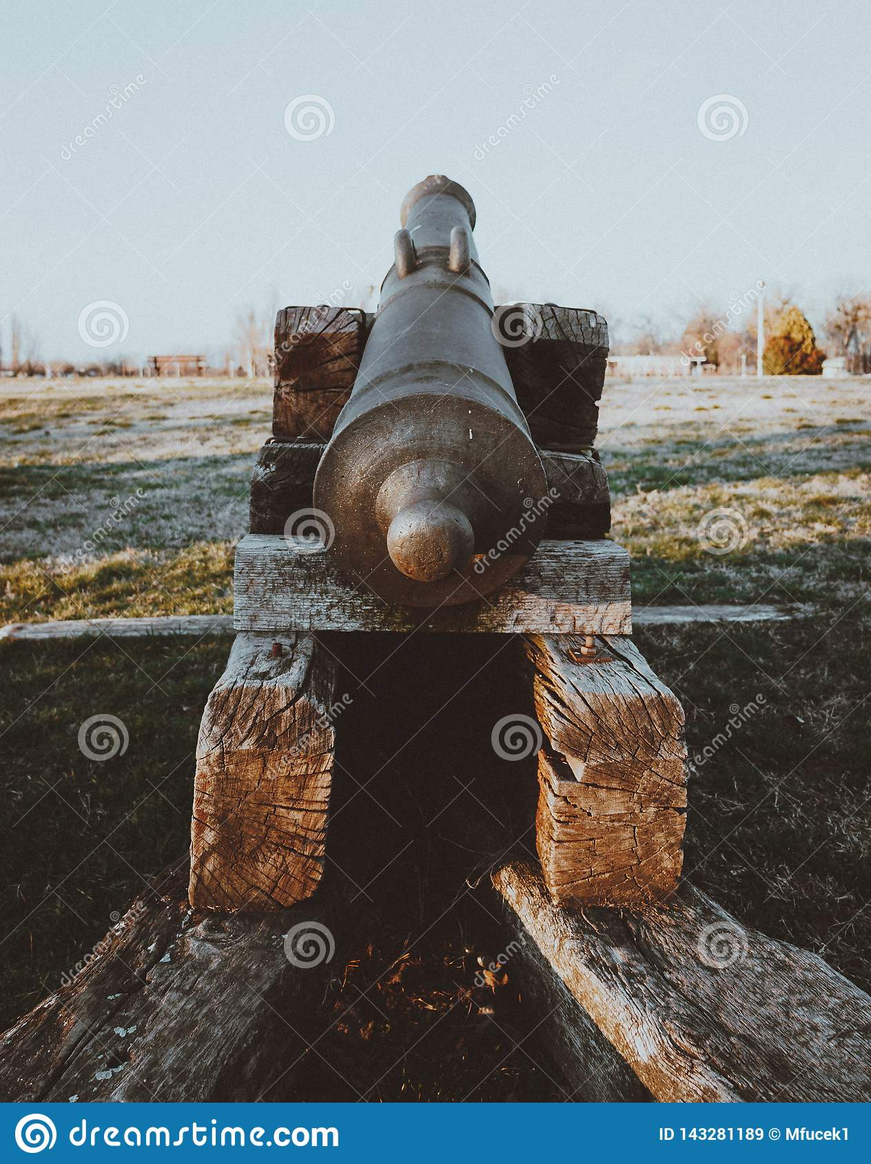 Close up of an old cannon facing the north