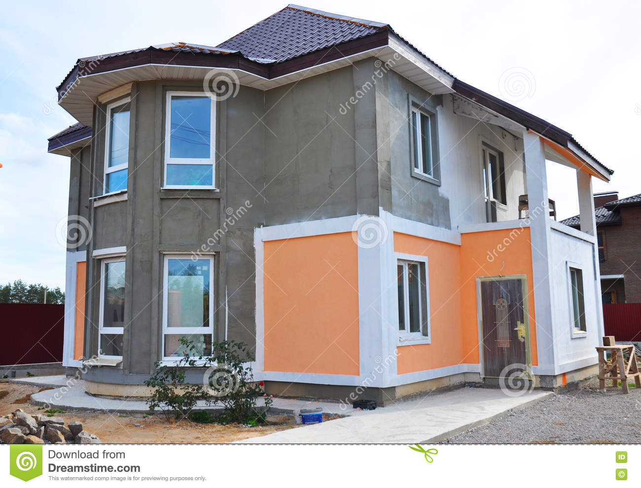 Painting and plastering exterior house scaffolding wall for Facade exterieur