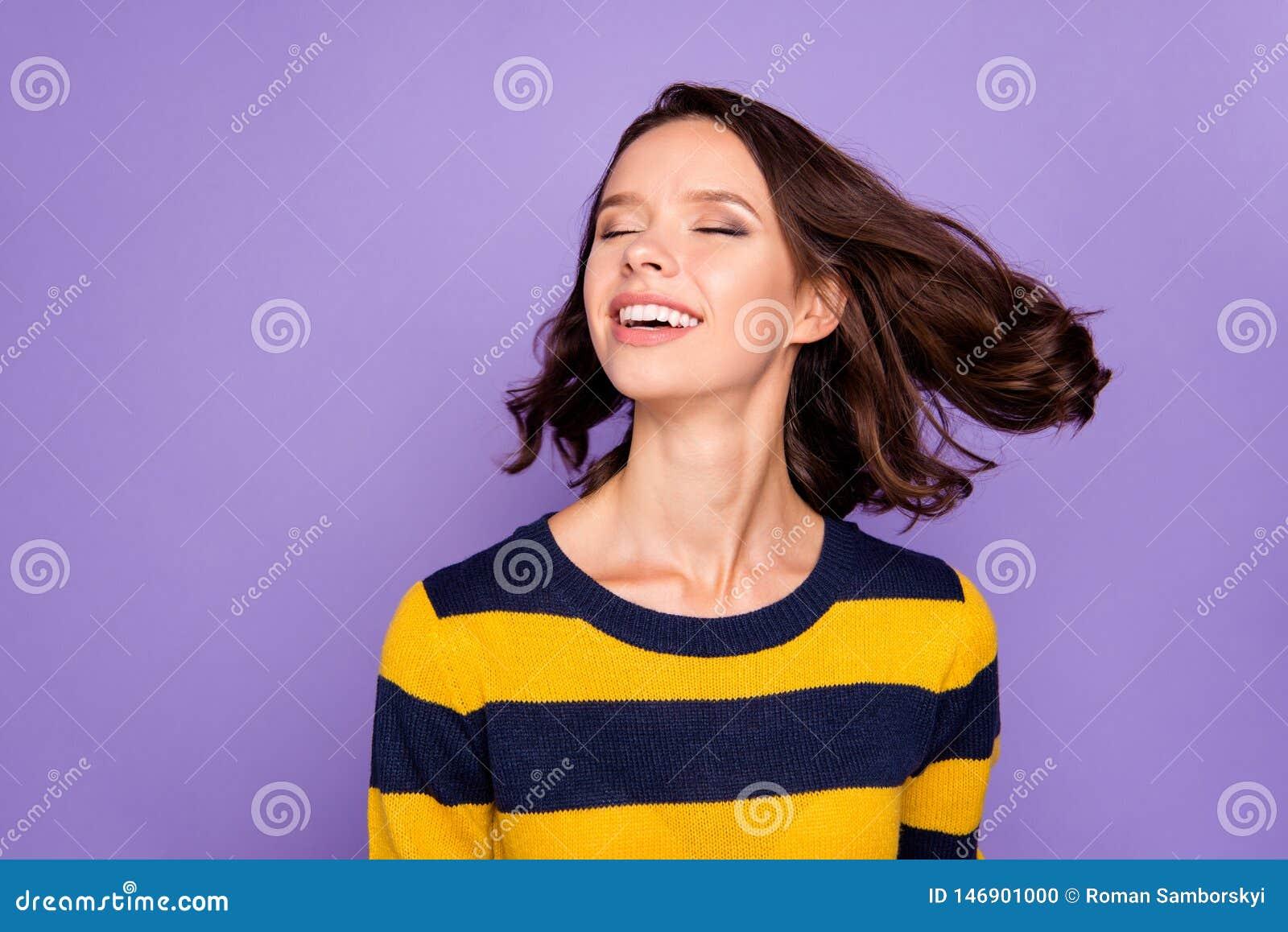 Close up photo beautiful amazing funky she her lady refreshment enjoy warm wind pretty overjoyed hairstyle flight eyes