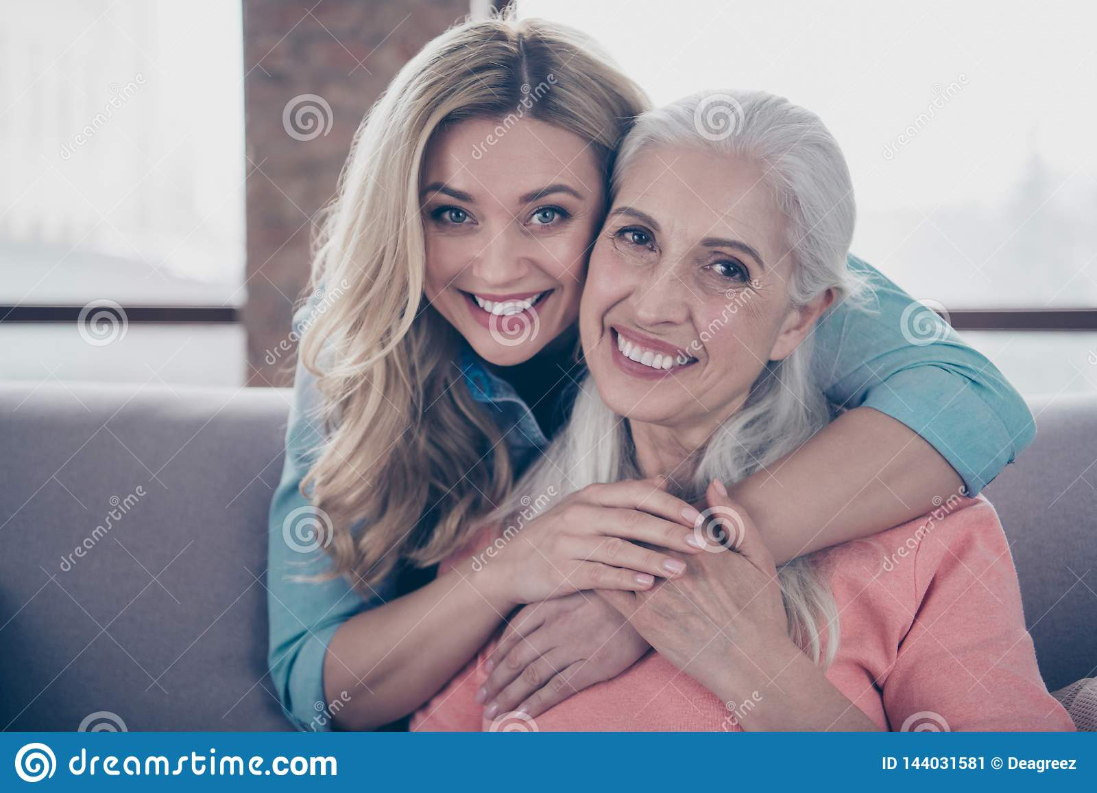 Ladies granny 14 Differences