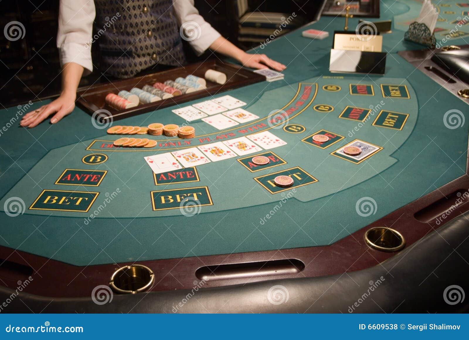 Poker ups