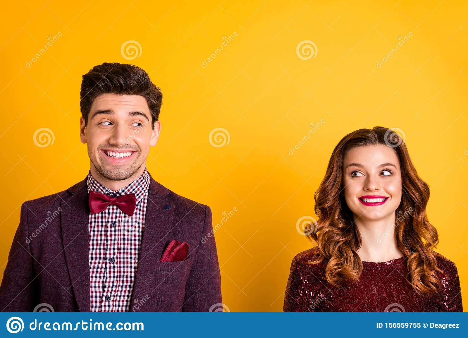 Close-up portrait of his he her she nice-looking attractive charming lovely glamorous cheerful cheery people looking at