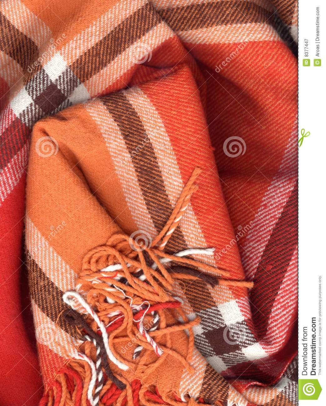 how to close up a knitted scarf