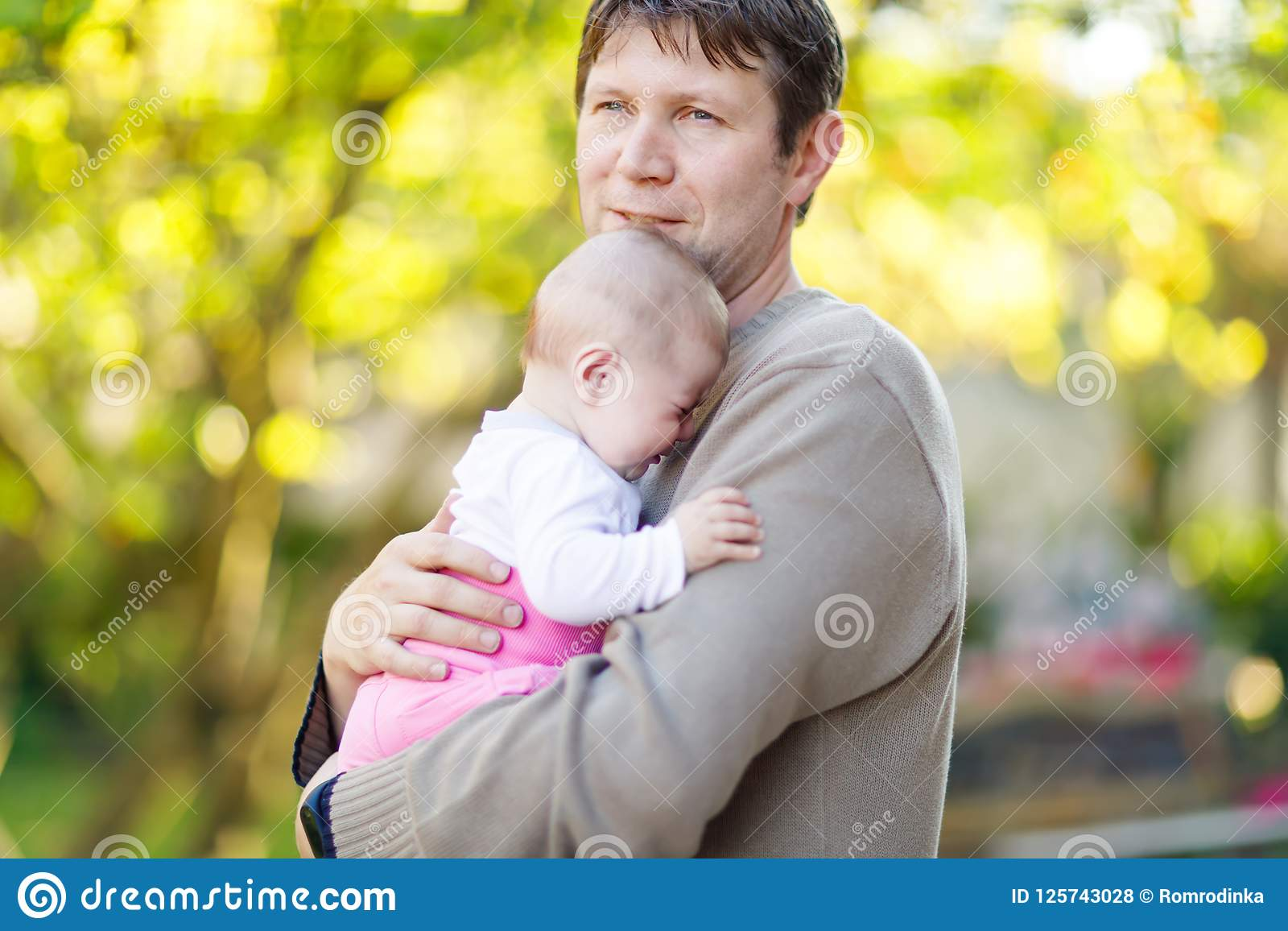 Question Very young little girl loves daddy