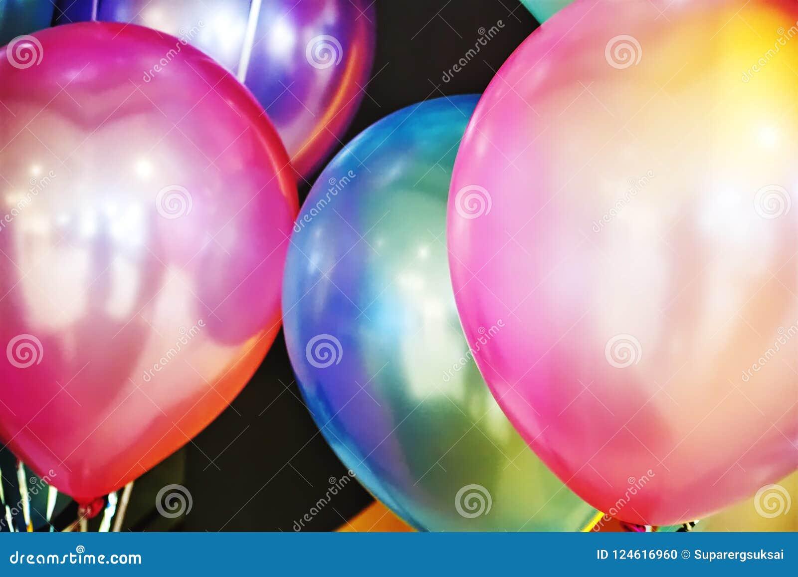 Close-up Trillende Kleurrijke Ballons bij de Partij