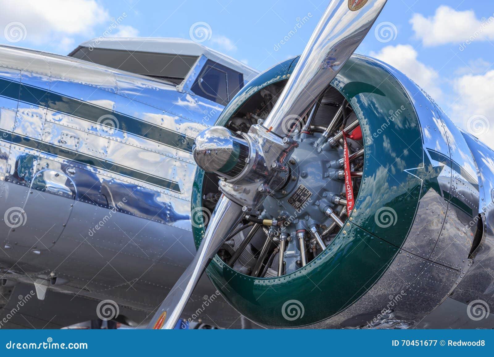 Close-up van Lockheed Electra Polished Fuselage