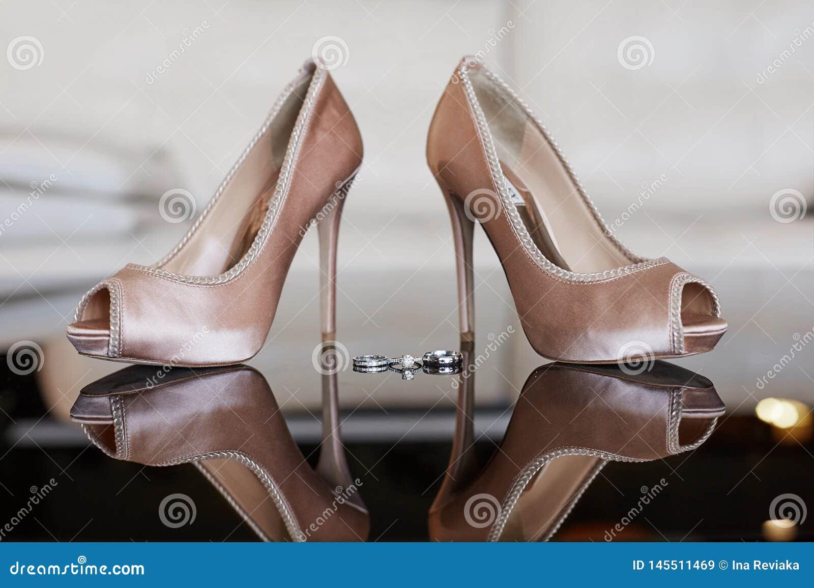 Luxury Platinum Wedding Rings