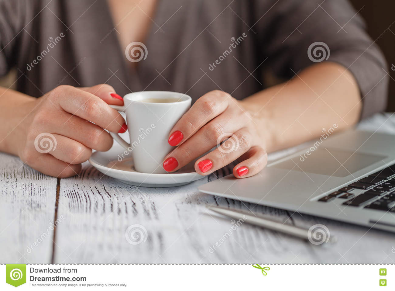 close up of a woman hands typing in a laptop in a coffee shop te stock photo image 78438290. Black Bedroom Furniture Sets. Home Design Ideas