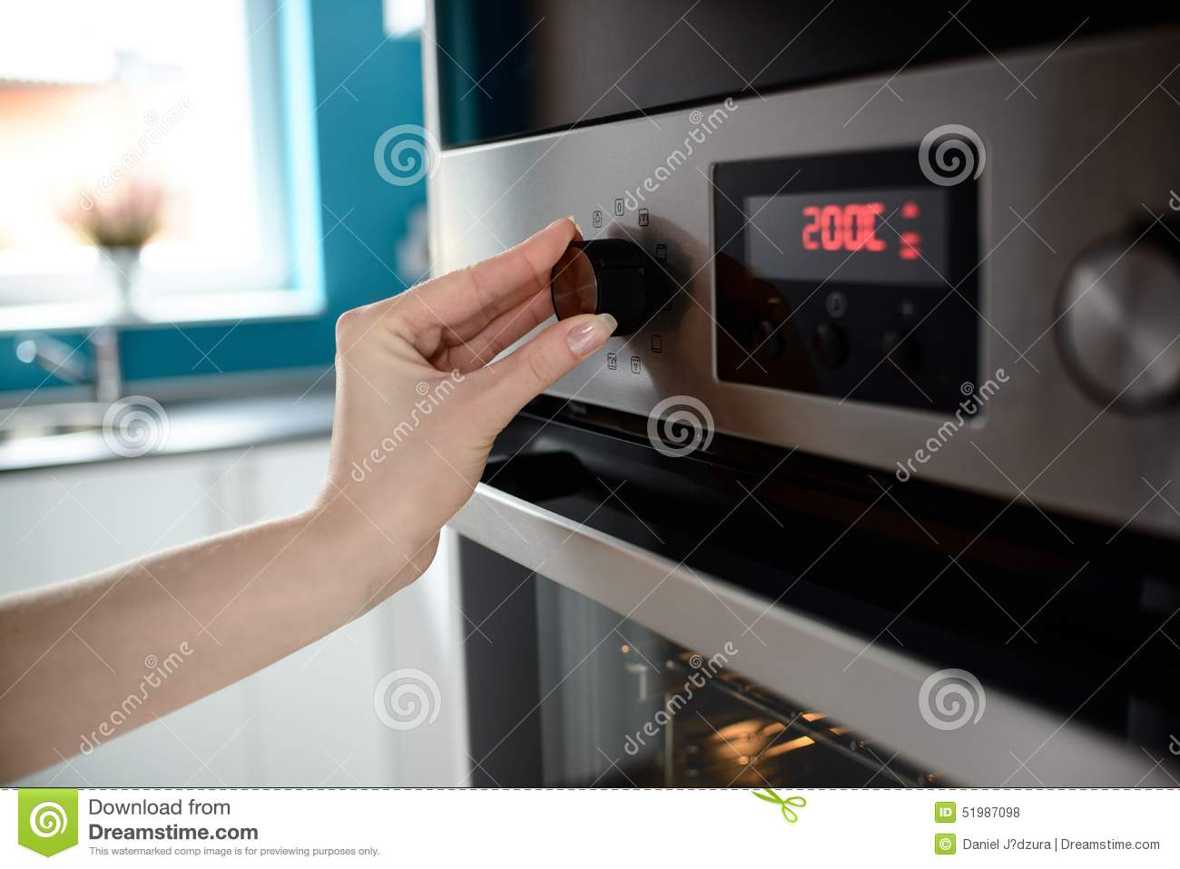 temperature control on oven. The display shows the set temperature to #20768C