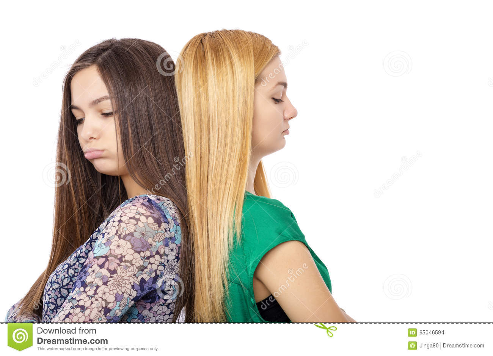 Close-upportret van twee bored tieners die zich terug naar bac bevinden