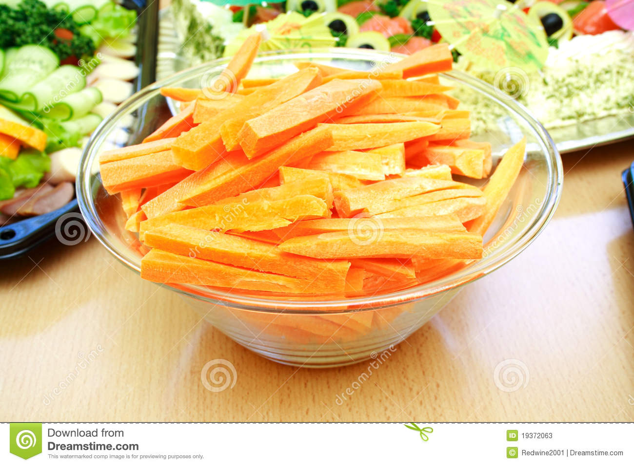 how to keep sliced carrots fresh
