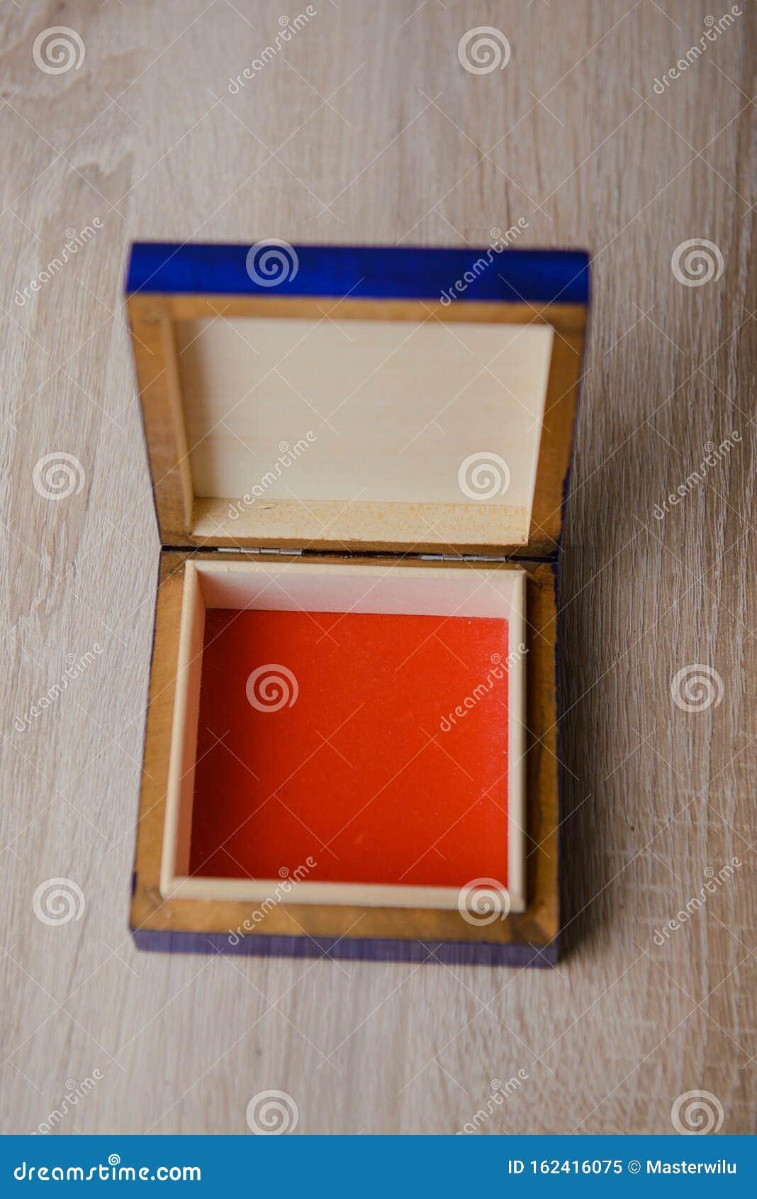 Vintage Blue /& Gold Jewellery Box