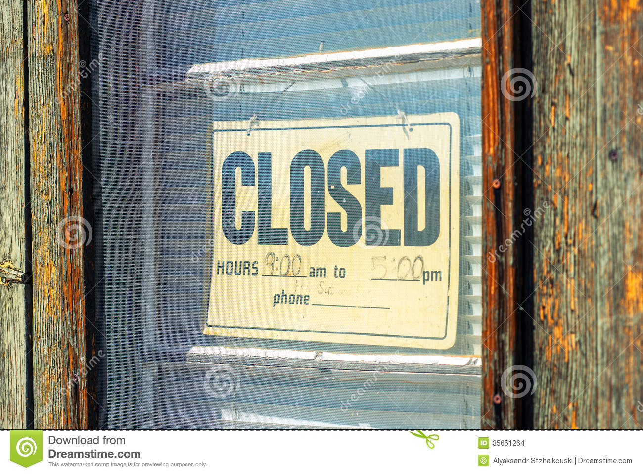 Closed Sign On The Door Stock Images - Image: 35651264